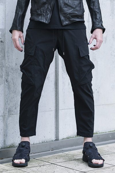 <img class='new_mark_img1' src='//img.shop-pro.jp/img/new/icons2.gif' style='border:none;display:inline;margin:0px;padding:0px;width:auto;' />ANKLE CUT MILITARY PANTS