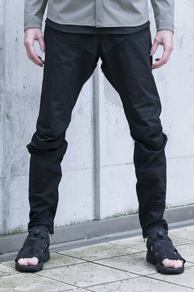 <img class='new_mark_img1' src='//img.shop-pro.jp/img/new/icons2.gif' style='border:none;display:inline;margin:0px;padding:0px;width:auto;' />【19SS予約】ARTICULATED PANTS