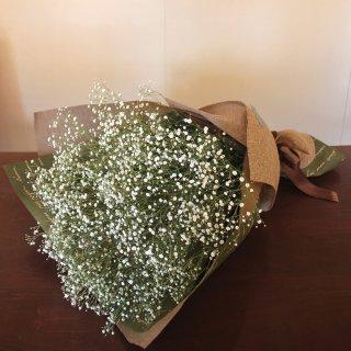 母の日に贈るギフト『かすみ草の花束』