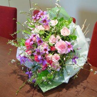 【雪柳とローズの花束】