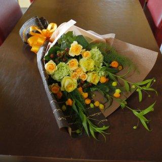 サンダーソニアの花束