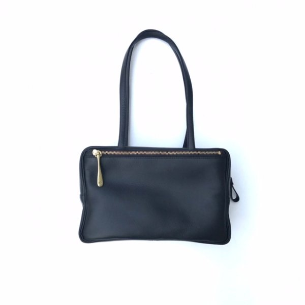Mat leather boston bag M