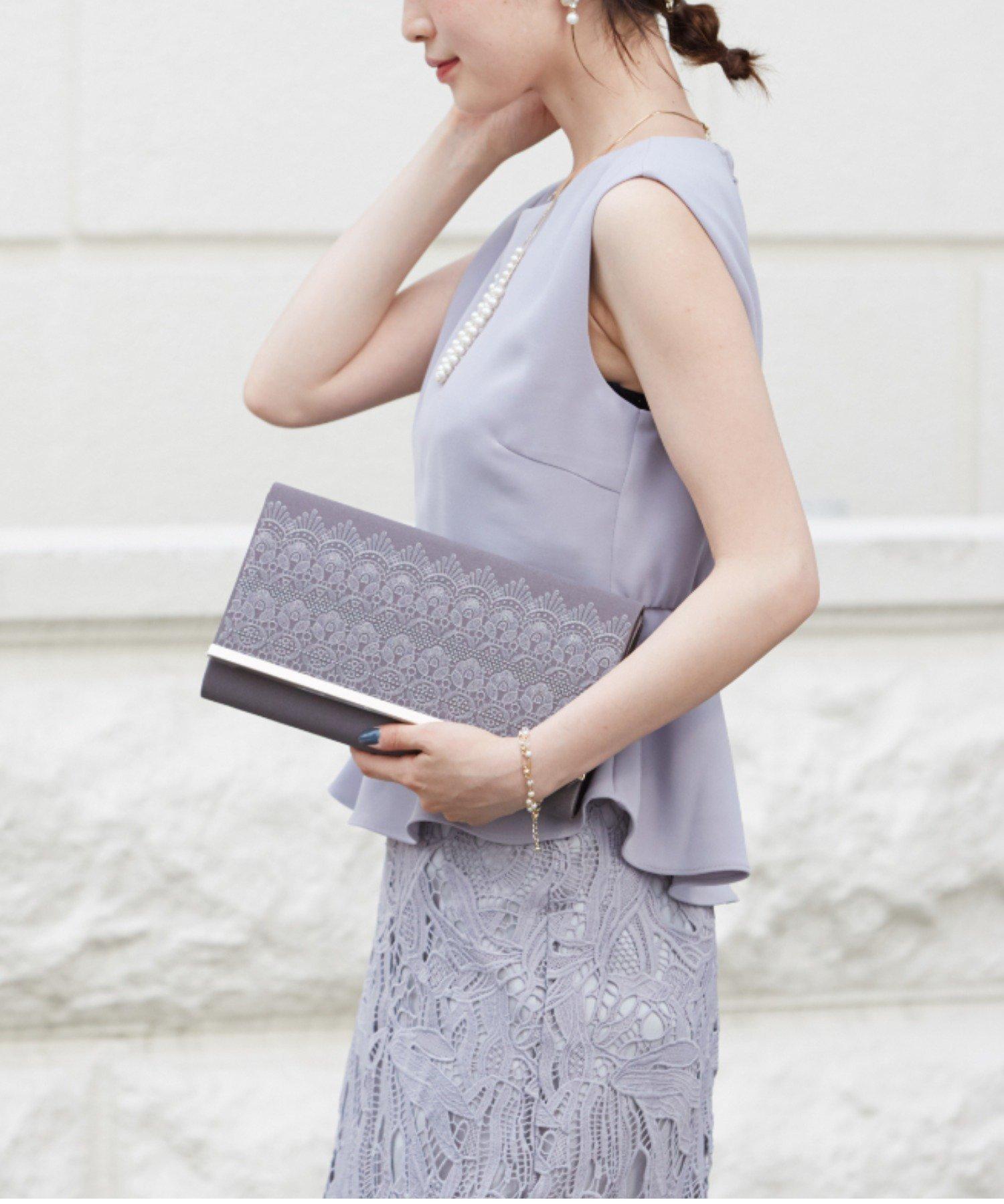幾何学模様柄刺繍サテンクラッチバッグ