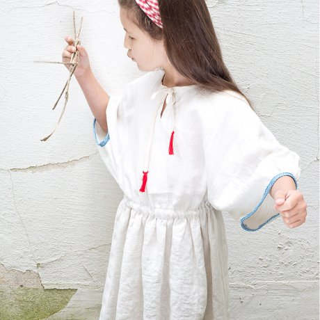 <img class='new_mark_img1' src='https://img.shop-pro.jp/img/new/icons8.gif' style='border:none;display:inline;margin:0px;padding:0px;width:auto;' />FROU FROU / TUNIC / off white / S1922