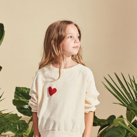 <img class='new_mark_img1' src='https://img.shop-pro.jp/img/new/icons8.gif' style='border:none;display:inline;margin:0px;padding:0px;width:auto;' />KIDS ON THE MOON / RED HEART SWEATSHIRT / 28A/SS19
