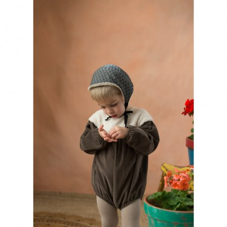 <img class='new_mark_img1' src='https://img.shop-pro.jp/img/new/icons8.gif' style='border:none;display:inline;margin:0px;padding:0px;width:auto;' />popelin / romper suit with yoke / Stone tone / Mod.3.4