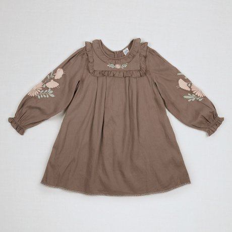 <img class='new_mark_img1' src='https://img.shop-pro.jp/img/new/icons8.gif' style='border:none;display:inline;margin:0px;padding:0px;width:auto;' />Apolina Kids / Kids / DIANA DRESS / FAWN