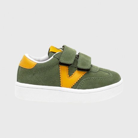 <img class='new_mark_img1' src='https://img.shop-pro.jp/img/new/icons8.gif' style='border:none;display:inline;margin:0px;padding:0px;width:auto;' />victoria / MILLAS VICTORIA SUEDE TRAINERS / kaki