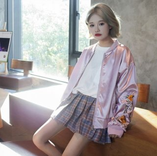 韓国ブルゾン❤光沢感と袖の刺繍が女性らしい♪ブルゾン
