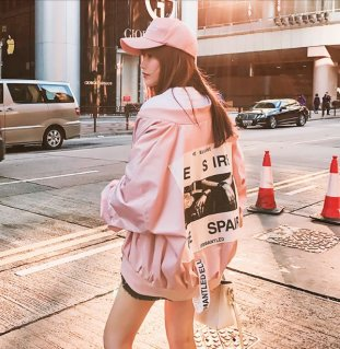 韓国ブルゾン❤背中のロゴプリントが大胆♪ブルゾン