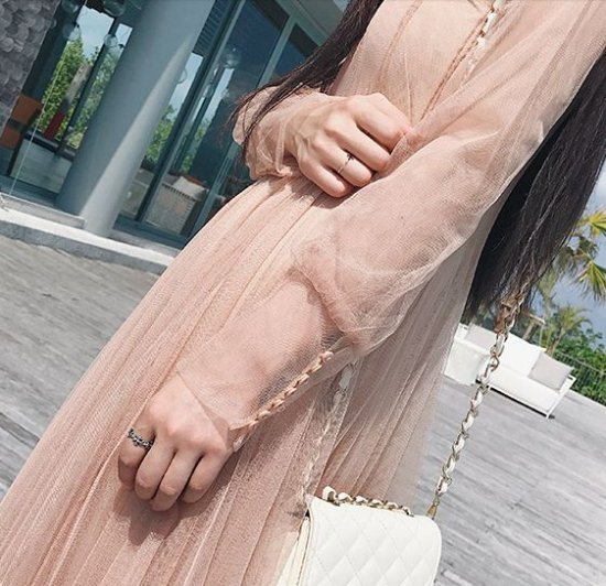 韓国ワンピースのひざ下丈・ミモレ丈
