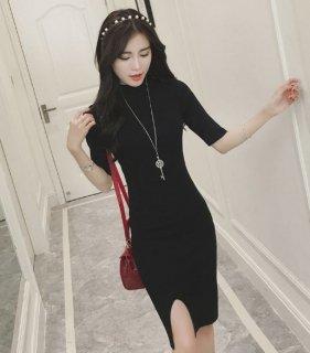 韓国タイトワンピース❤五分袖でスリットが入ってるのが女性らしいライン♪タイトワンピース