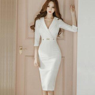 韓国タイトワンピース❤胸元が大胆♪セクシーラインのワンピース