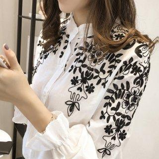 韓国ブラウス❤花柄刺繍 モノトーンで大人おしゃれなシャツです!