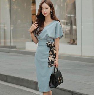 韓国ワンピース❤腰のリボンがワンポイント♪タイトワンピース