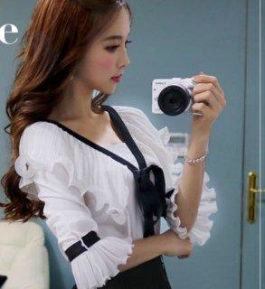 韓国トップス❤ブラウス 胸元と袖のフリル、リボンが上品清楚でセレブお嬢様のよう!