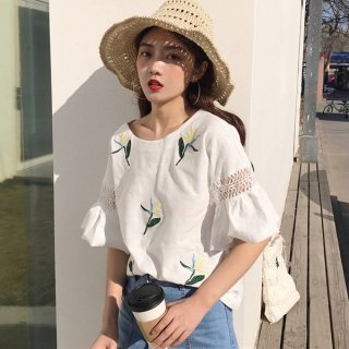 韓国トップス❤花柄刺繍が可愛いフレア袖のトップス♪