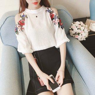 韓国セットアップ❤刺繍のオフショルダートップスとタイトミニスカートで夏にピッタリ♪セットアップ
