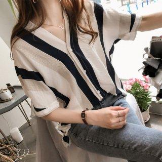 韓国ブラウス❤トップス ちょいドルマンスリーブ気味の半袖ストライプBFシャツ