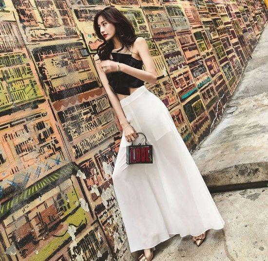 韓国パンツのワイドパンツ