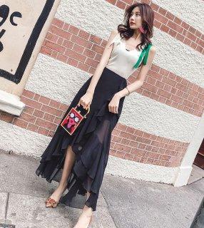 韓国セットアップ❤肩のリボンが特徴のトップスとアシンメトリーなスカートのセット!