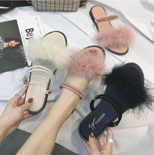 韓国フラットファーサンダル❤韓国ファッションふわふわファーのとっても可愛いフラットサンダル!!