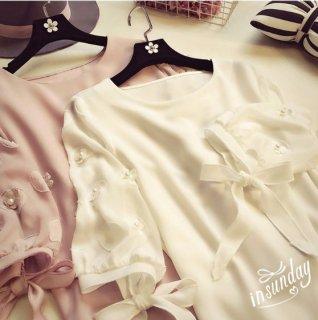 韓国トップス❤袖コンシャス可愛いブラウス!リボンと花柄ハーツが特徴