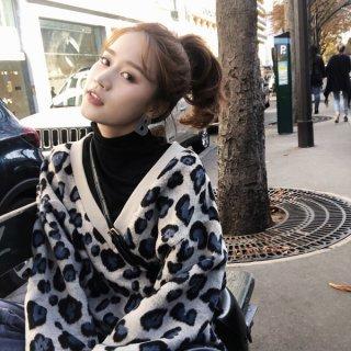 韓国トップス❤ホワイトレオパード柄の可愛いVネックニットセーター