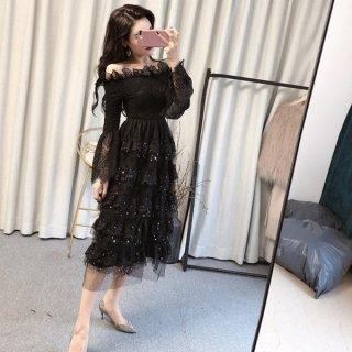 韓国ワンピース❤韓国ドレス オフショルダーで星が入ったティアードスカートがとっても可愛い