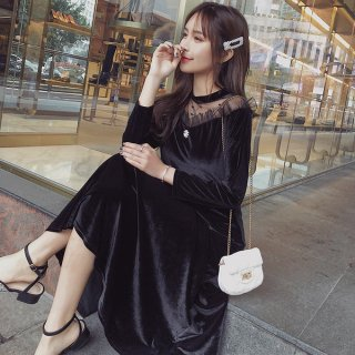 韓国ワンピース❤韓国ドレス 肩レースがオフショルダーな大人のブラックワンピース