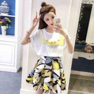 韓国夏までに売り切れかも!ワンピース❤ツーピース ロゴプリント可愛いトップスと大人可愛い花柄スカートのセット