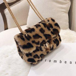 韓国ショルダーバッグ❤とっても可愛いモコモコレオパードファーのバッグ