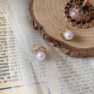 韓国即納 パールピアス❤キラッと光る耳元がおしゃれきれい可愛いアクセサリー