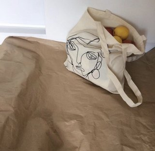 WHITE ARTWORK TOTE BAG