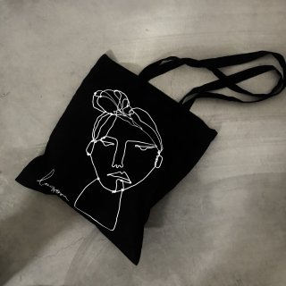 BLACK ARTWORK TOTE BAG