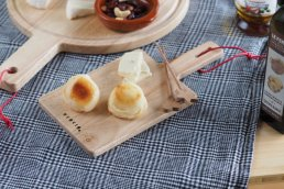 <img class='new_mark_img1' src='https://img.shop-pro.jp/img/new/icons8.gif' style='border:none;display:inline;margin:0px;padding:0px;width:auto;' />【ACACIA】SQUARE CUTTING BOARD S