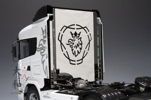 SCANIA用 ステンレス製キャブプロテクションパネル<img class='new_mark_img2' src='https://img.shop-pro.jp/img/new/icons1.gif' style='border:none;display:inline;margin:0px;padding:0px;width:auto;' />