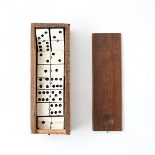1900's ヴィンテージ木製 ドミノボックス Bone carved Domino Set<img class='new_mark_img2' src='https://img.shop-pro.jp/img/new/icons20.gif' style='border:none;display:inline;margin:0px;padding:0px;width:auto;' />