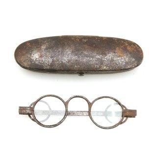 アンティーク アイアン メガネ ケース 付 眼鏡入れ