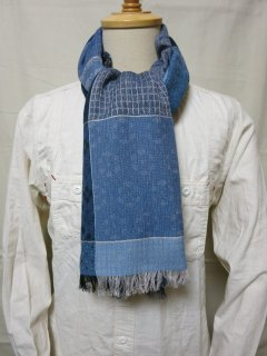 <img class='new_mark_img1' src='https://img.shop-pro.jp/img/new/icons2.gif' style='border:none;display:inline;margin:0px;padding:0px;width:auto;' />Dapper's Quilt Pattern Woolen Scarf by V.FRAAS LOT1278 BLUE/GRAY
