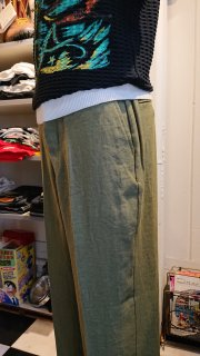 <img class='new_mark_img1' src='https://img.shop-pro.jp/img/new/icons1.gif' style='border:none;display:inline;margin:0px;padding:0px;width:auto;' />Wear Masters   Linen Trousers  Ollve
