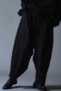 Pleats Cocoon Pants