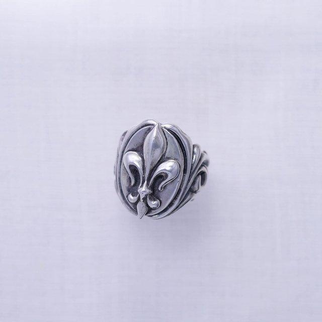 Fleur-de-lys Ring