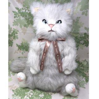 べべ BeBe cuddly(カドリー) 白猫のぬいぐるみ