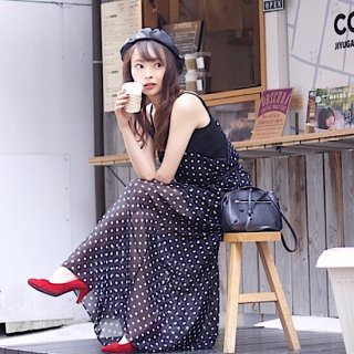 <img class='new_mark_img1' src='//img.shop-pro.jp/img/new/icons55.gif' style='border:none;display:inline;margin:0px;padding:0px;width:auto;' />オードリーカフェザテラスドレス(black)