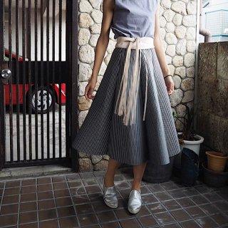 スラッシュストライプパーフェクトラインスカート