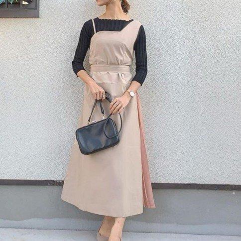アシメショルダーサイドプリーツドレス