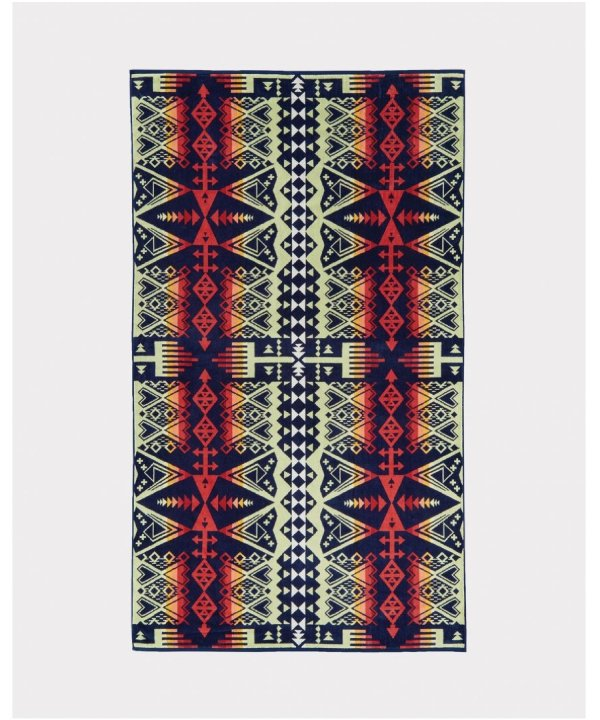 <img class='new_mark_img1' src='//img.shop-pro.jp/img/new/icons1.gif' style='border:none;display:inline;margin:0px;padding:0px;width:auto;' />OVERSIZED JACQUARD TOWEL/ARROW REVIVAL 【PENDLETON OFFICIAL】