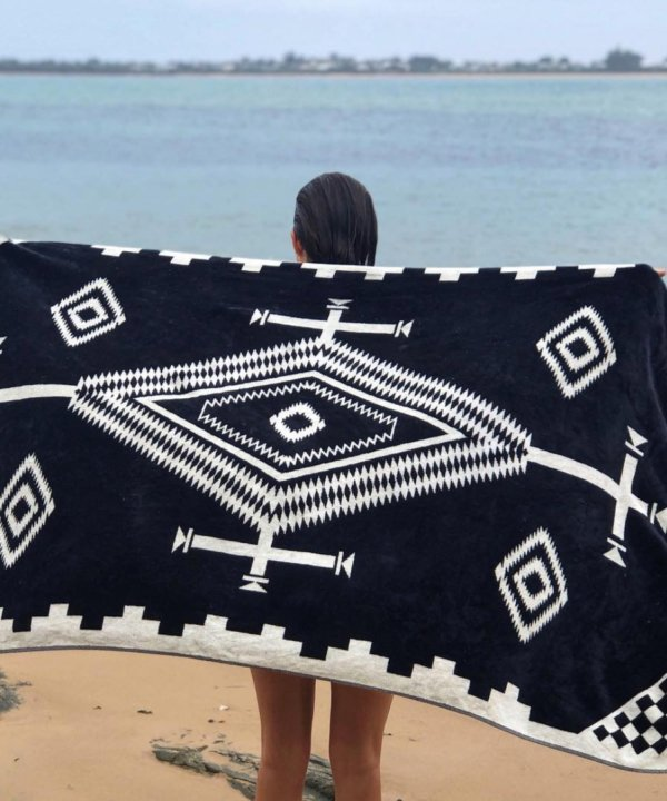 OVERSIZED JACQUARD TOWEL/LOS OJOS BLACK 【PENDLETON OFFICIAL】