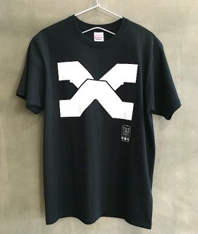 <img class='new_mark_img1' src='https://img.shop-pro.jp/img/new/icons54.gif' style='border:none;display:inline;margin:0px;padding:0px;width:auto;' />GDM X階段 Tシャツ